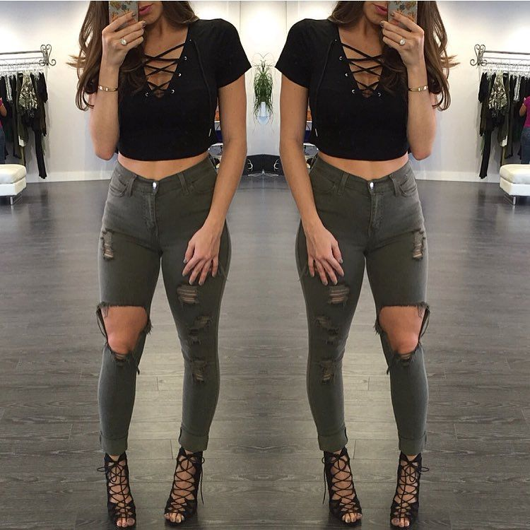 Pinterest : @ XOkikiiii | Cute concert outfits, Lace up t ...