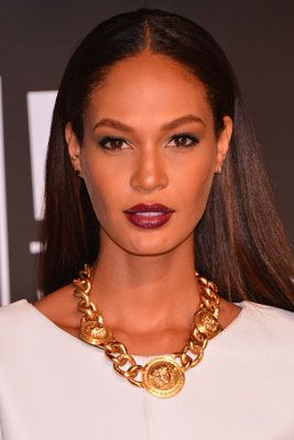 The 12 Best Beauty Moments from the 2013 MTV VMAs: Joan Smalls' Beautiful Bordeaux