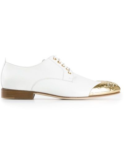 a7af846b8 VERSACE Gold Point Shoes  725 at farfetch