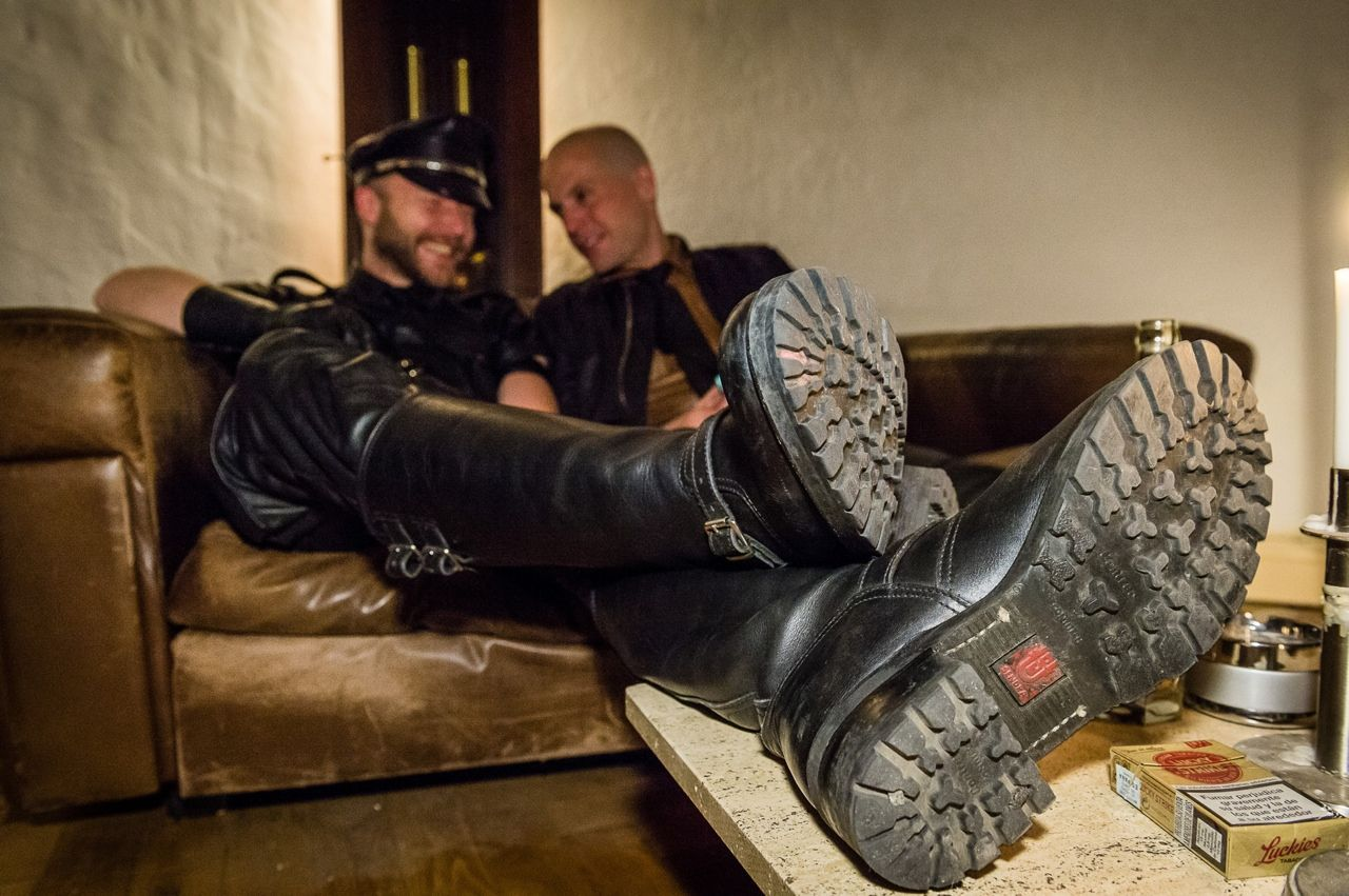 Gay Chav Shoe Licker - Xxx Pics-3678