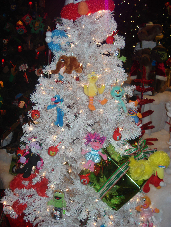 Sesame Street Christmas Tree Christmas Tree Themes Sesame