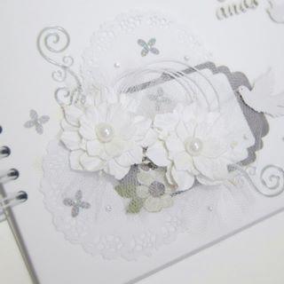Produção no ateliê Crafccino: livro de assinaturas!✨ #livrodeassinaturas #scrap #scrapdecor