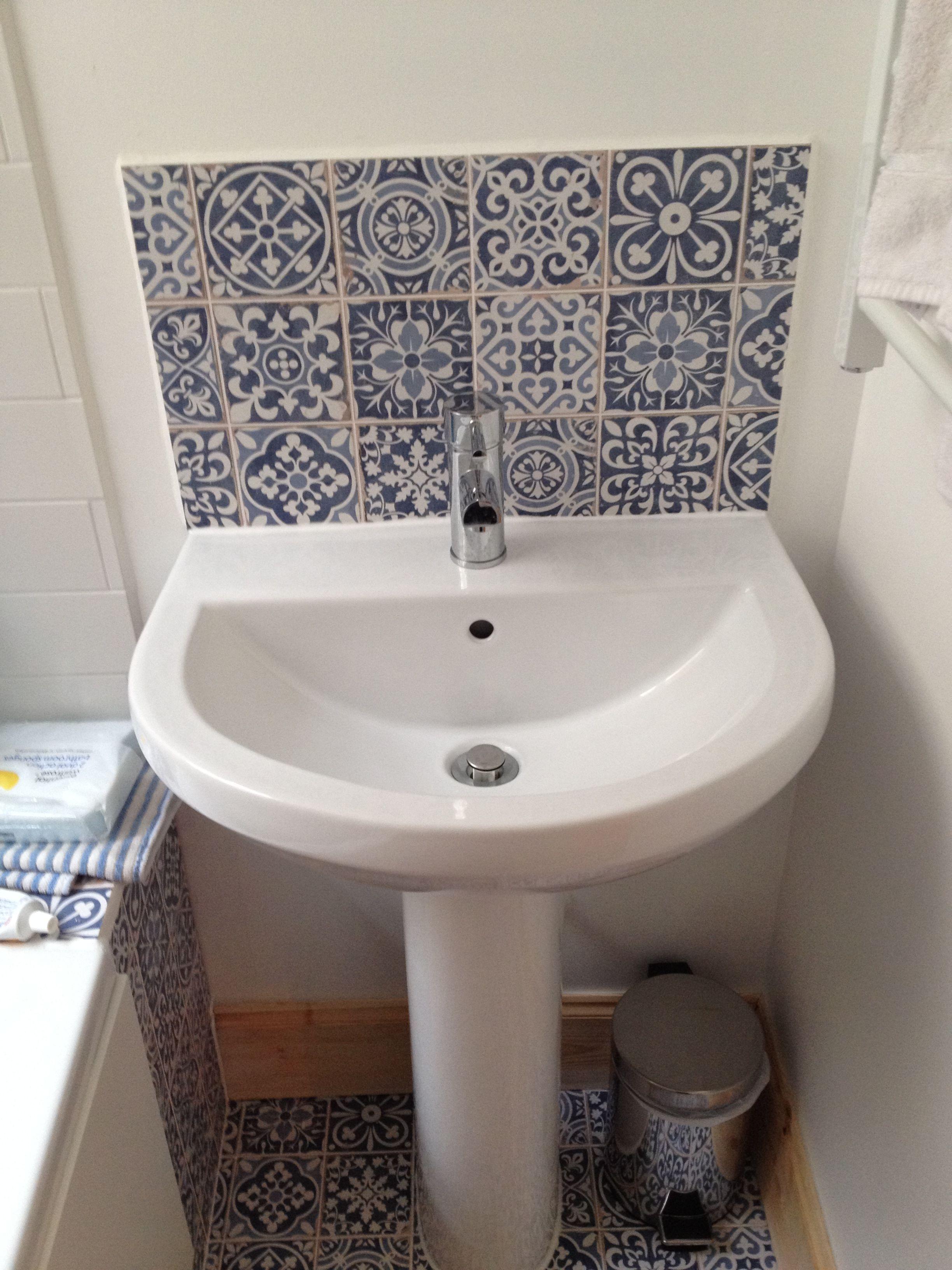 Merveilleux Sink With Tile Splashback