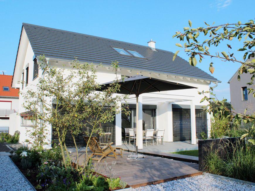 Aussenansicht architektenhaus emmering ffb 2p raum architekten haus wohnhaus und architektur - Wintergarten ffb ...