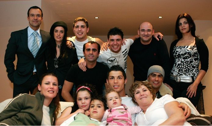Cristiano Ronaldo Family Tree Father, Mother Name Pictures ...