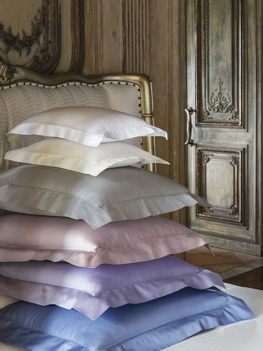 Fiona is a lovely Egyptian cotton sateen, possessing the wonderful sleek smooth 'slide' this type of weave naturally exhibits.