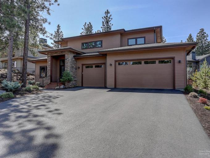 Bend Oregon Real Estate For Sale 19183 Mt Shasta Drive Threeb Mls