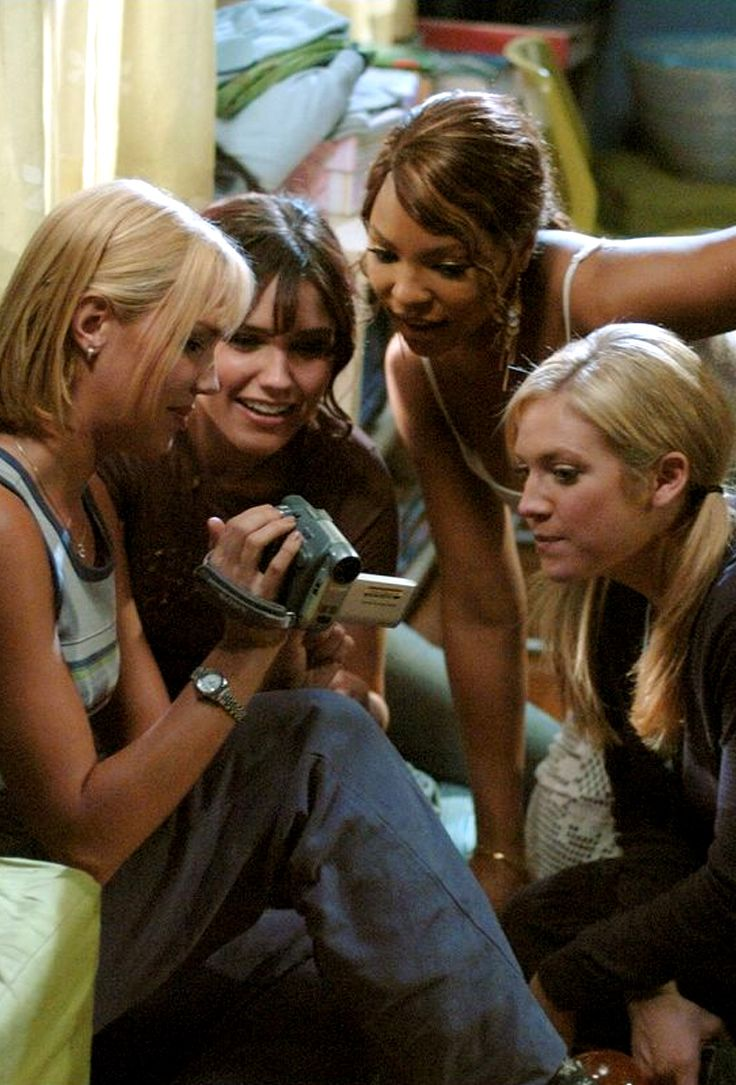 Ashanti as Heather, Sophia Bush as Beth, Arielle Kebbel as Carrie & Brittany Snow as Kate - John Tucker Must Die