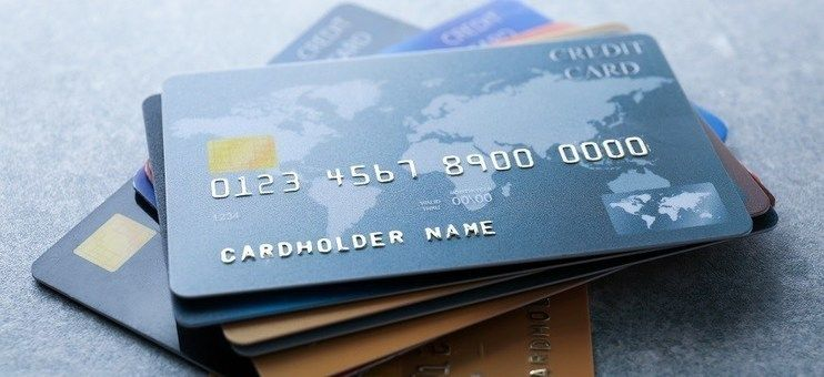 Points To Consider For Safe Usage Of Credit Cards For Online Payment Shopping And Lifestyle In 2020 Platinum Credit Card Gas Credit Cards Best Credit Card Offers