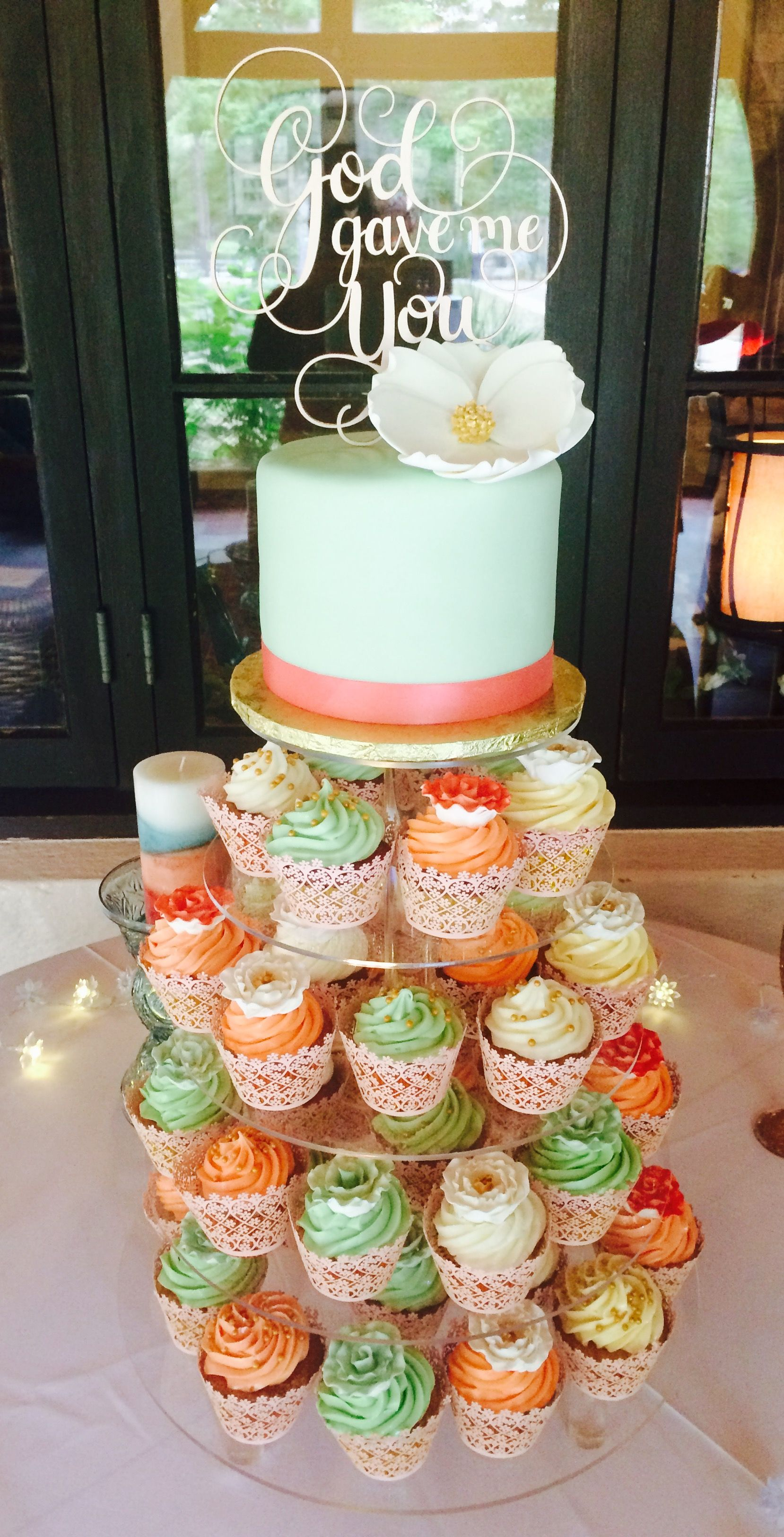 Pin by artistic confections on cupcakes cake pops