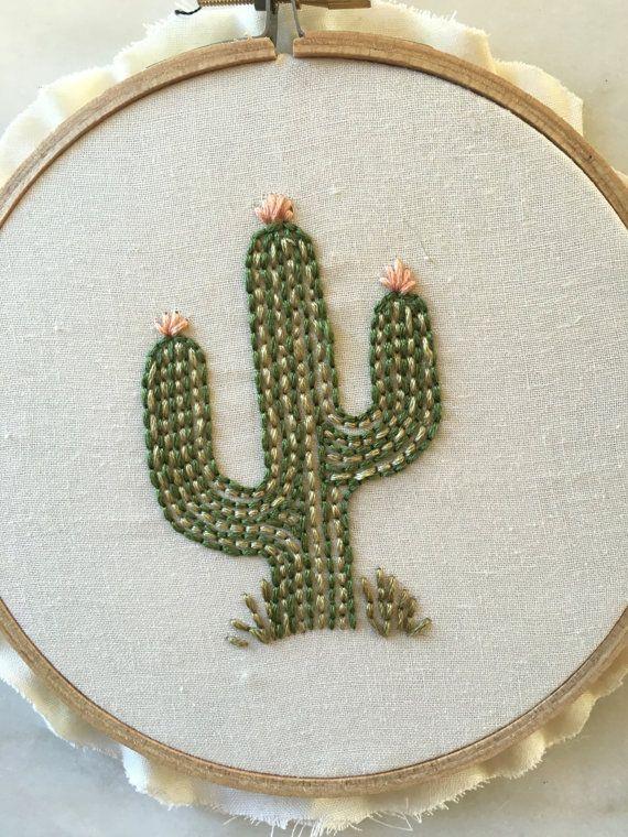 Aro de bordado de cactus / arte del bordado por ThreadsInstead ...