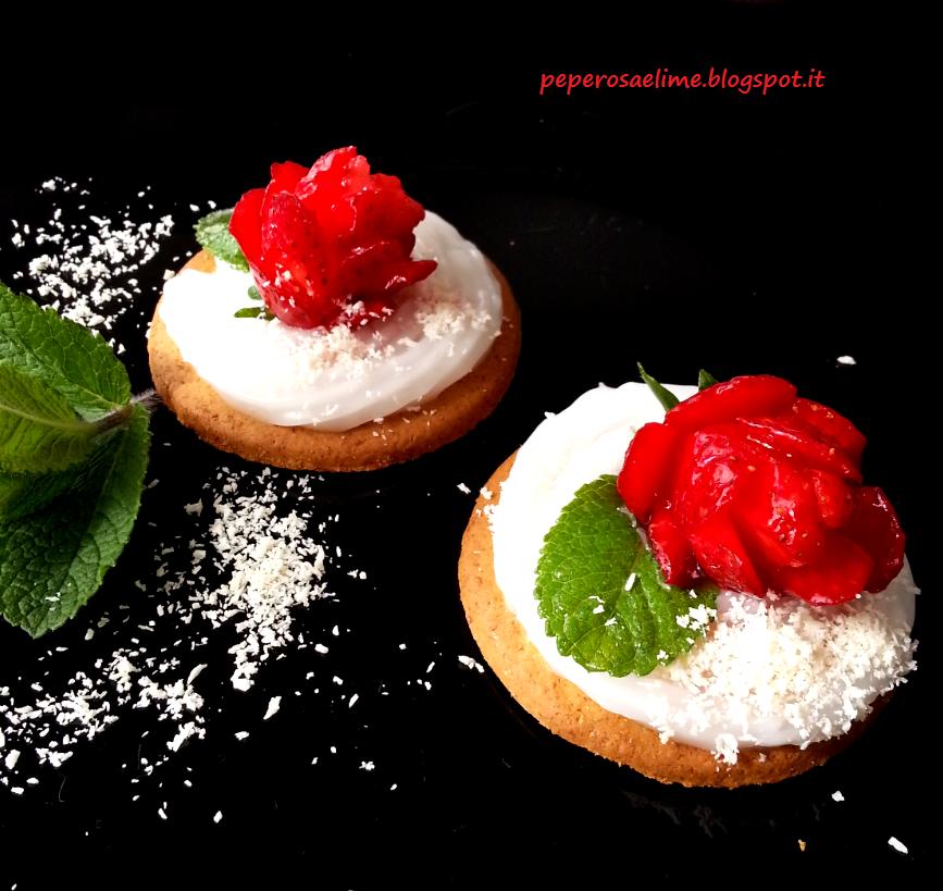 Pepe rosa & Lime: Frolla con crema di cocco e fragole