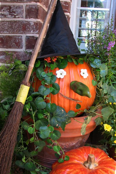 Fun Halloween Decorating Ideas Witches, Front porches and Porch - fun halloween decorating ideas