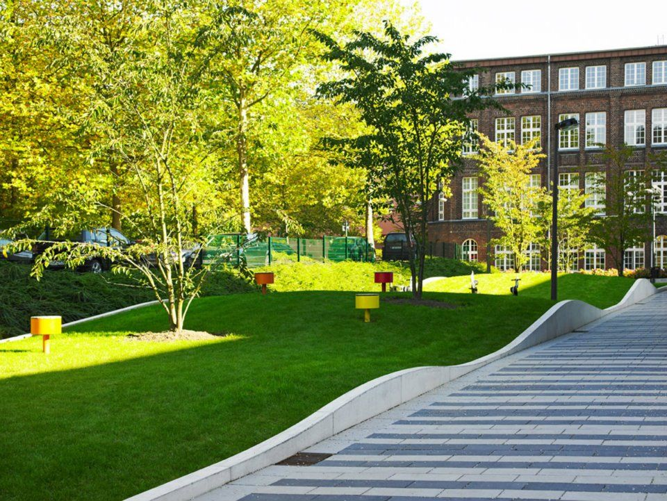 Epa architekten town hall square solingen landarch for Outer space design landscape architects