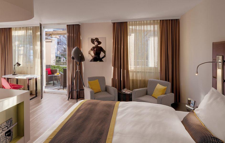 50s Glorious Design At Hotel Indigo Dusseldorf Indigo Hotel