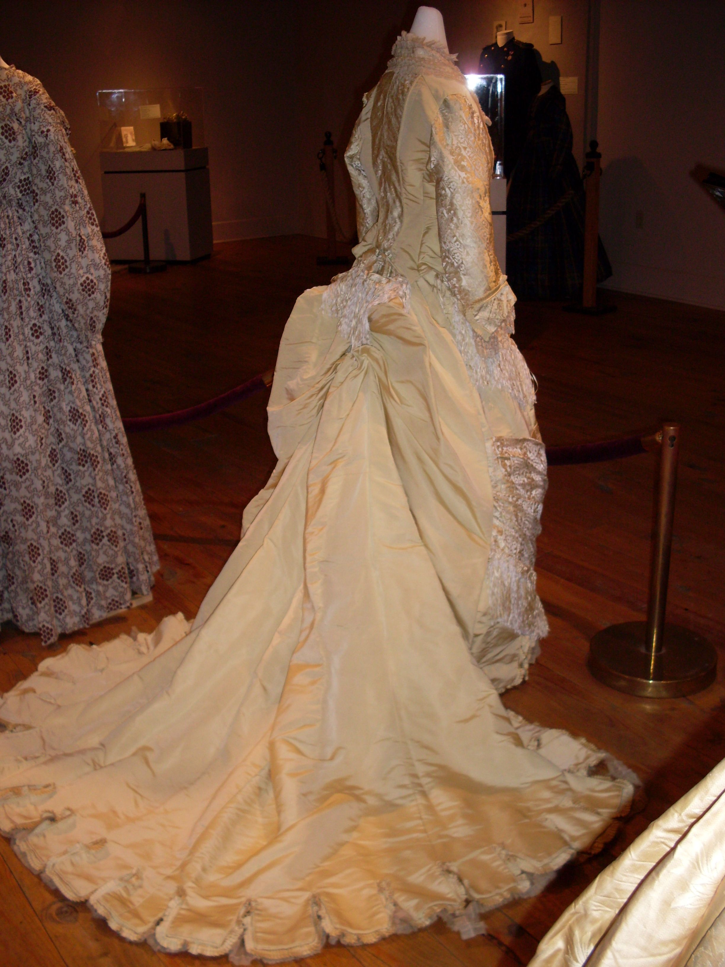 Victorian evening gown with bustle | period clothing | Pinterest ...
