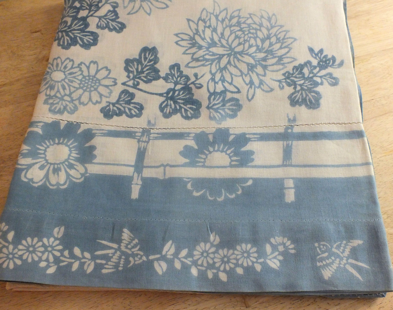 Vintage Farmhouse Tablecloth Blue Birds Vintage Linens Farmhouse Tablecloths Farmhouse Quilts