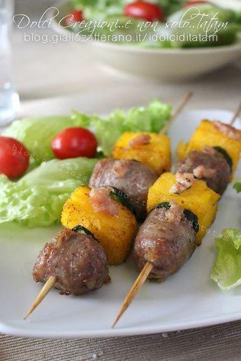 Spiedini di polenta e salsiccia, ideali come antipasto o finger food. #fingerfoods
