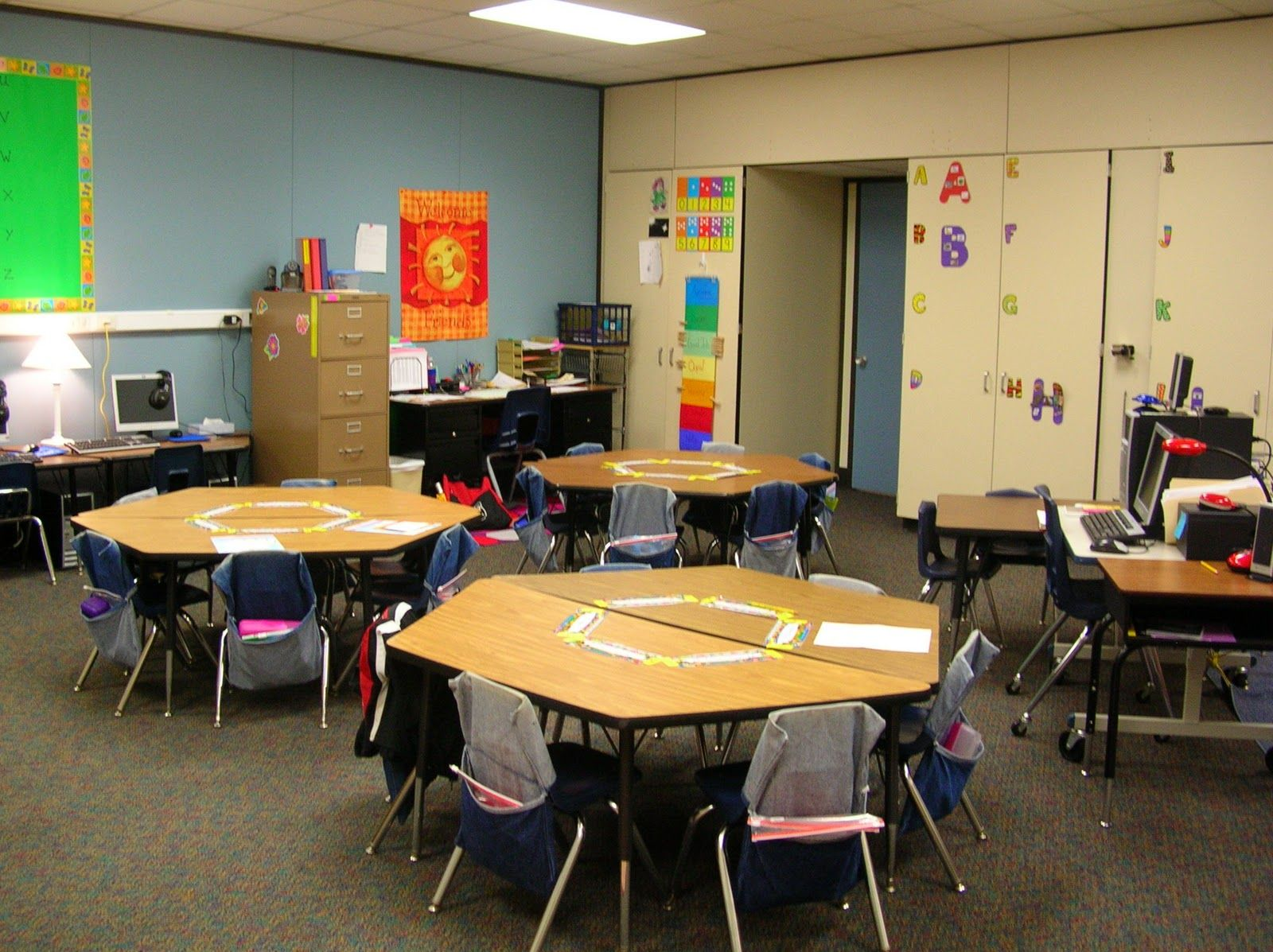 Trapezoid Classroom Arrangements For Small Rooms
