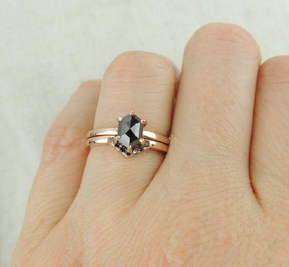 https://www.etsy.com/it/listing/262663083/esagono-diamante-nero-anello-di?ga_order=most_relevant