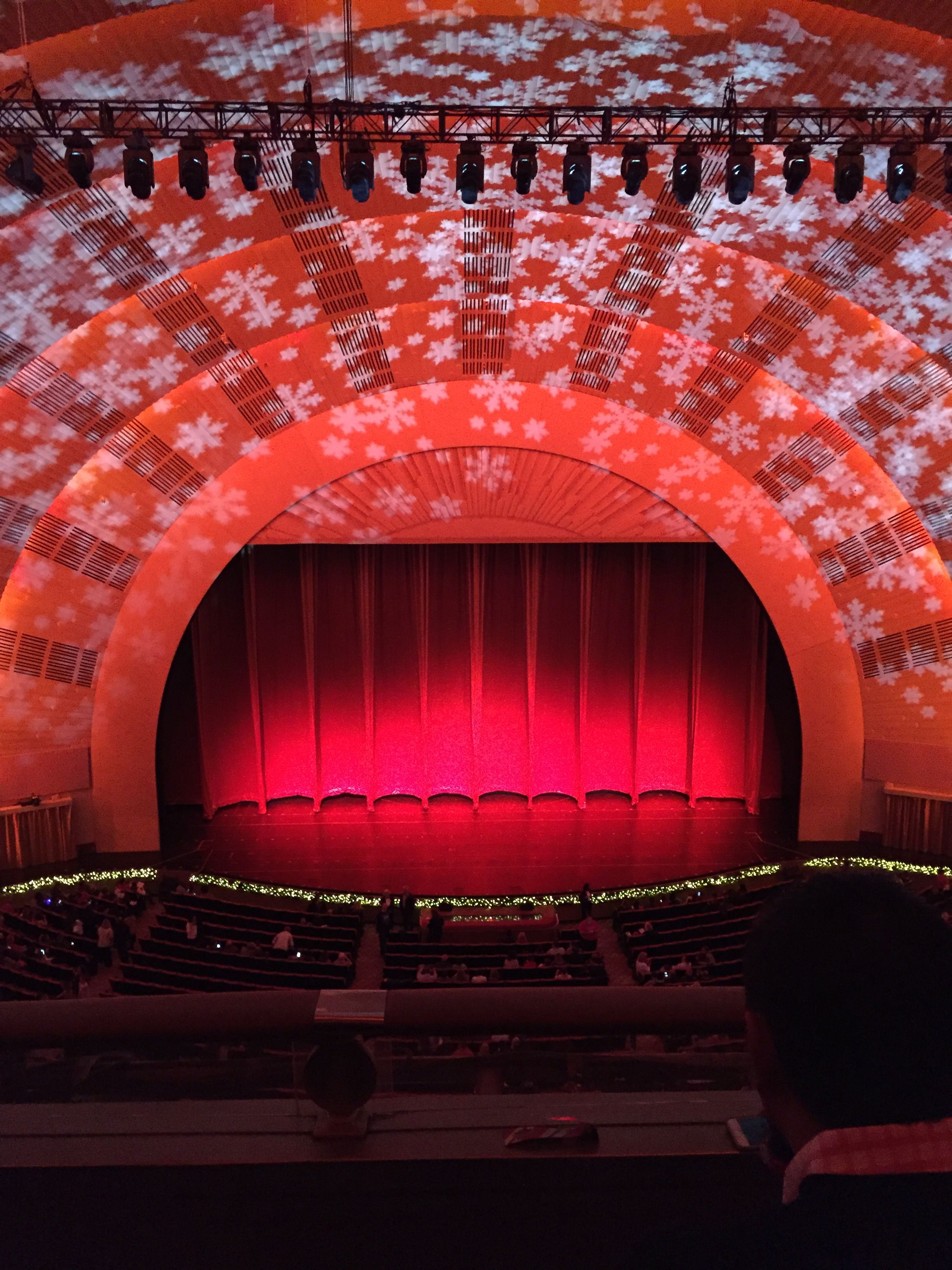 The stage is set for the Christmas Spectacular at Radio City Music ...