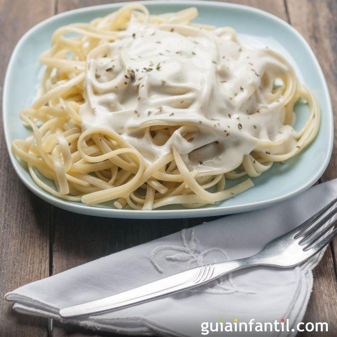 Espaguetis A Los Tres Quesos Recetas Rápidas De Pasta Receta Recetas De Espaguetis Espagueti Con Verduras Espagueti Con Salchichas