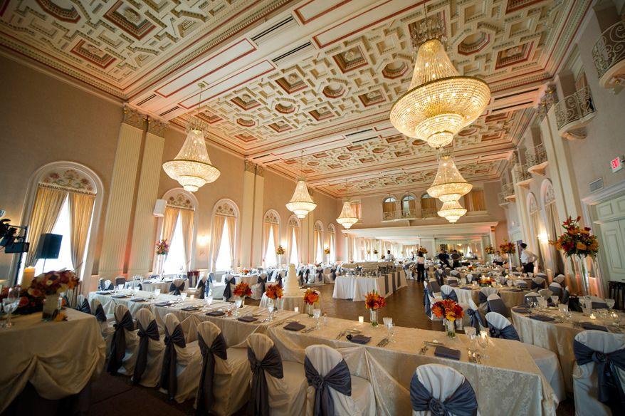 Amazing Milwaukee wedding reception shot at Milwaukee