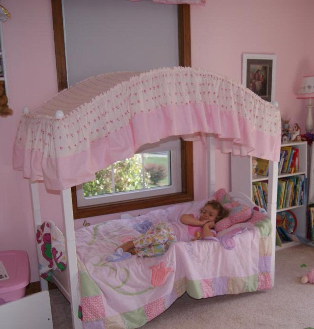 Little Girl S Bedroom Decorating Ideas And Adorable Girly Canopy Beds For Toddler Girls Clever Diy Ideas Toddler Canopy Bed Girls Bed Canopy Kids Bed Canopy