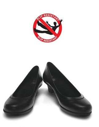 d214000670e61 Crocs Women s Grace Heel Work Shoe Style   GRAHEEL  chefuniforms  chef   shoes  chefshoes  slipresistant
