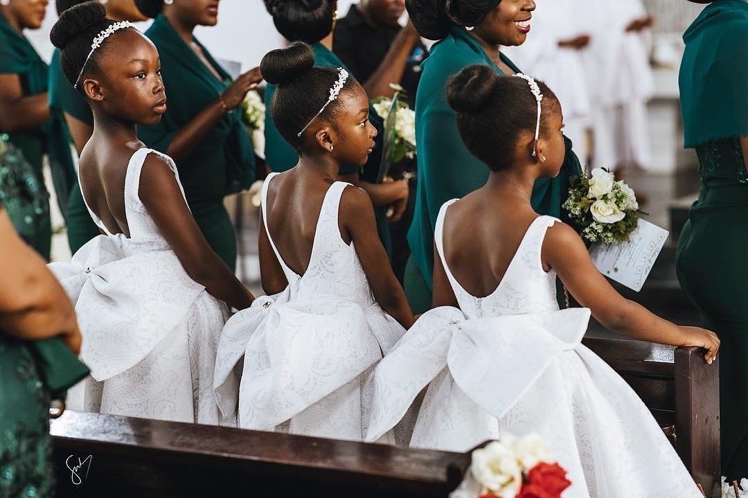 Weddings Onpoint On Instagram These Flower Girls Didn T Come To Play Photography Foc Beautiful Flower Girl Dresses Flower Girl Hairstyles Flower Girl