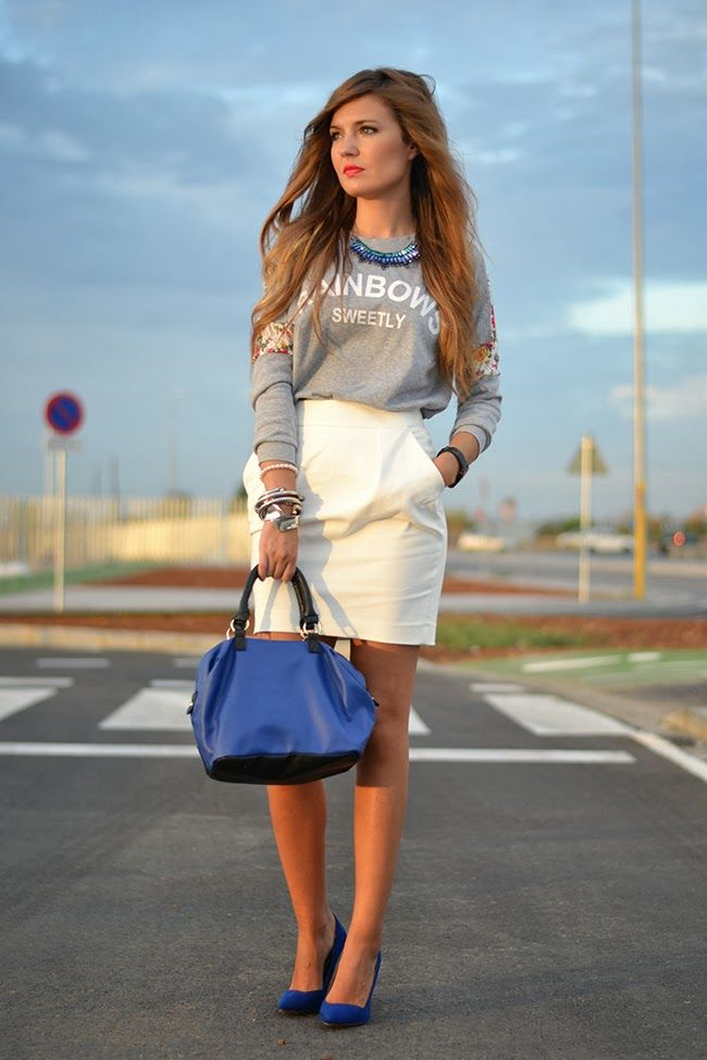 ef8332c7f falda blanca & camiseta gris - complementos azul | Style | Faldas ...