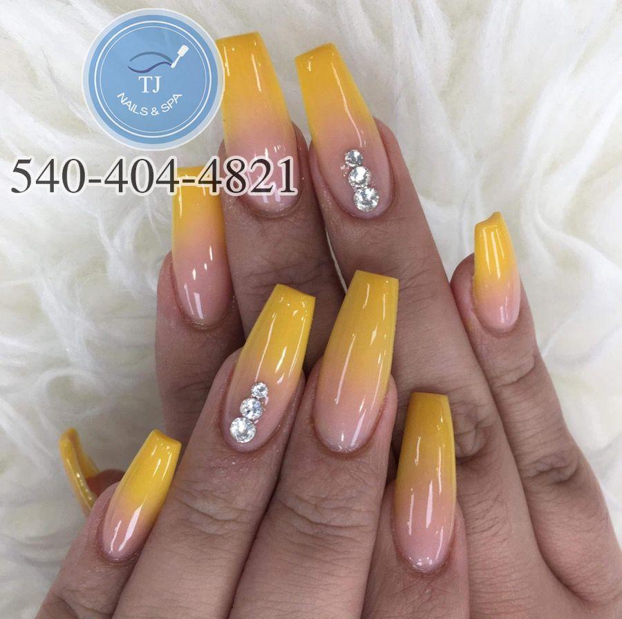 T J Nails Spa Nails Salon In Salem Va 24153 Nails Glitter Nail Art Best Nail Salon