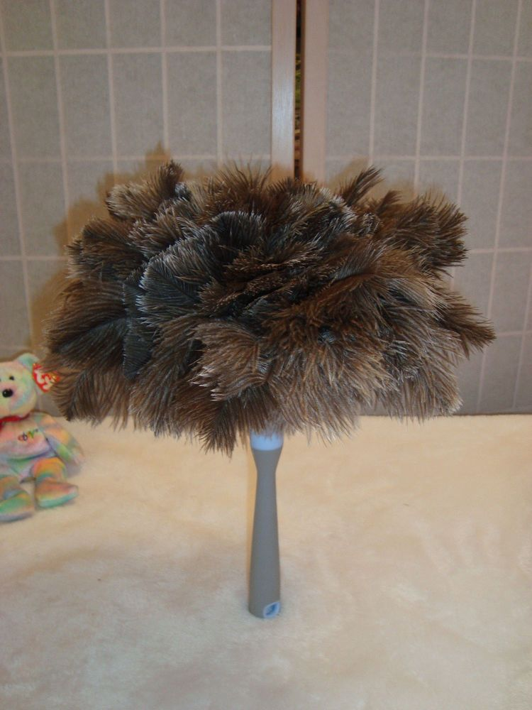Beautiful New WOT Clorox Ostrich Feather Furniture Duster Theater