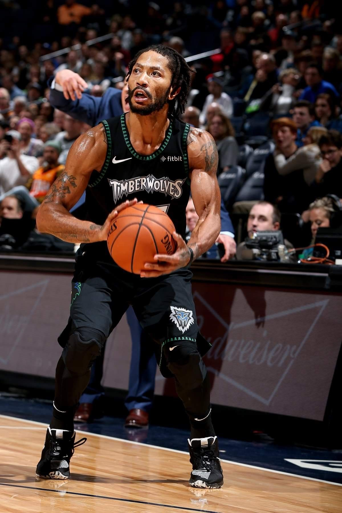 big sale 74a77 96348 Derrick Rose 🌹 has been hoopin the start of this season. 30 ...