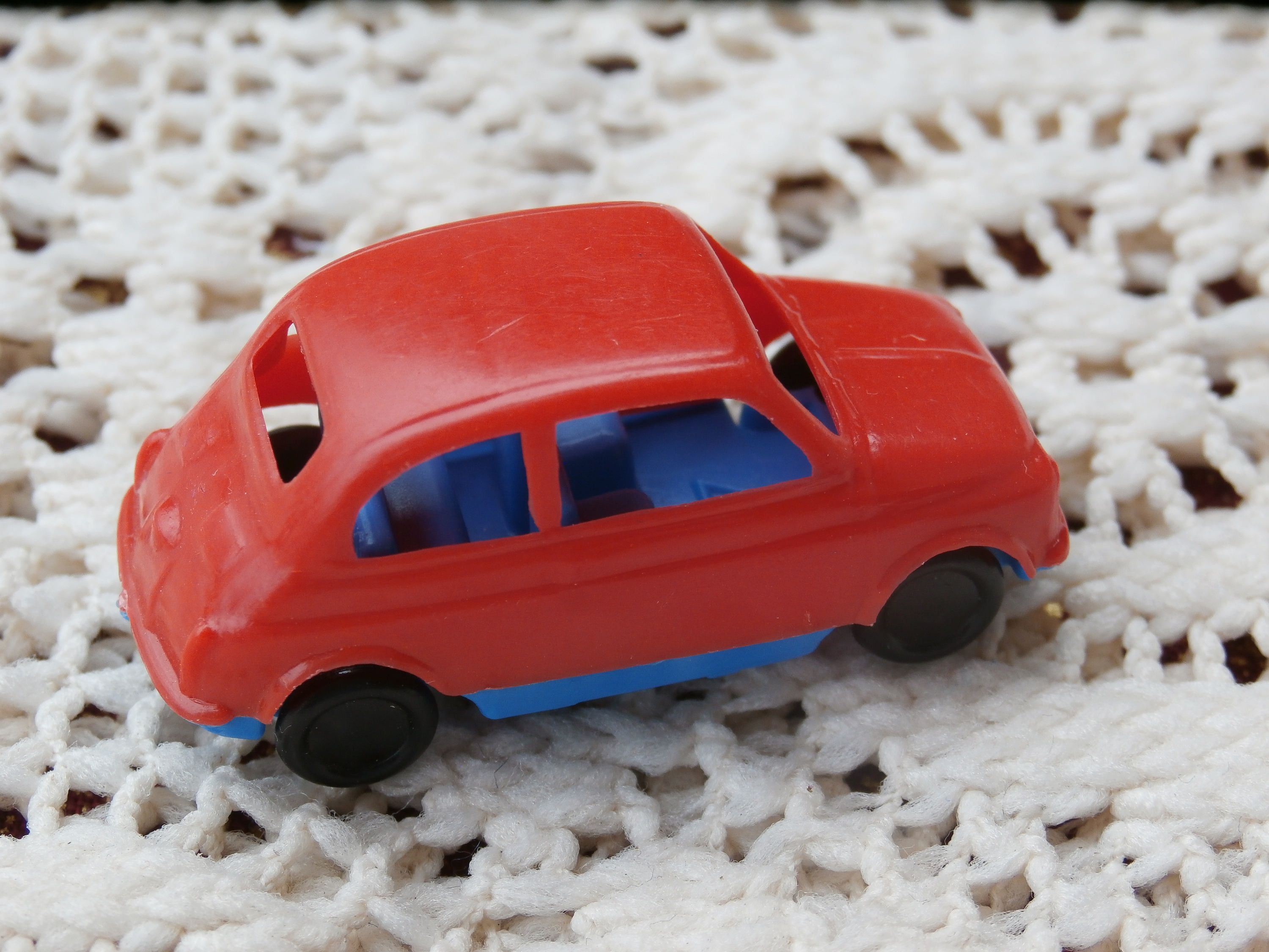 Pez Italy Toy Car 1970s Fiat 500 1 72 Ho Scale Red And Blue Plastic