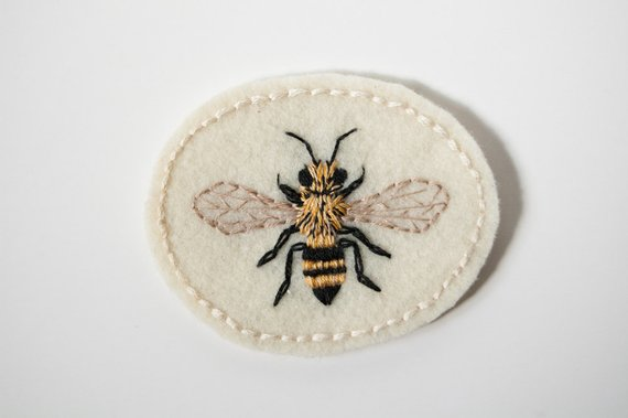 "BEE GOLD METALLIC LARGE 2 /""  Iron Patch Bees"