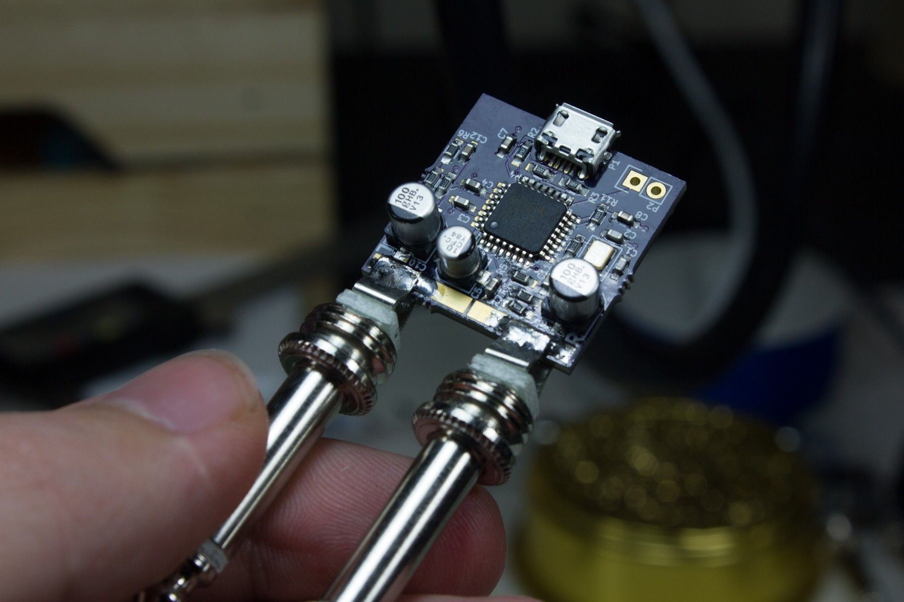 A Simple Usb Audio Interface Whose Pcb Fits Within The Area Of A Square Inch Sound Card Usb Square