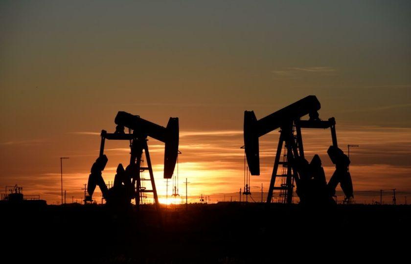 الدول التي بنت عروشها عليه ستعاني بشدة الإيكونومست نهاية عصر النفط في العالم العربي باتت وشيكة In 2020 China Trade Global Economy West Texas Intermediate