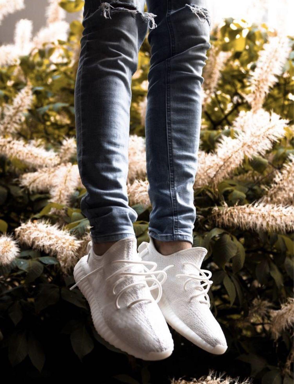 Yeezy Boost 350 V2 'Cream White / Triple White'
