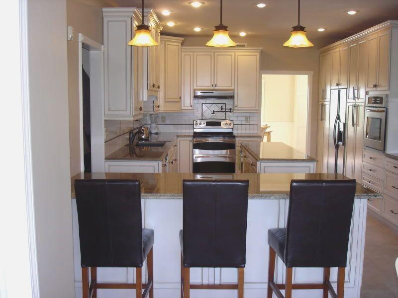 small kitchen peninsula - Google Search | Kitchen layout ...