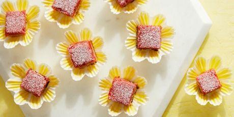 Strawberry Lemonade Bars #freezedriedstrawberries