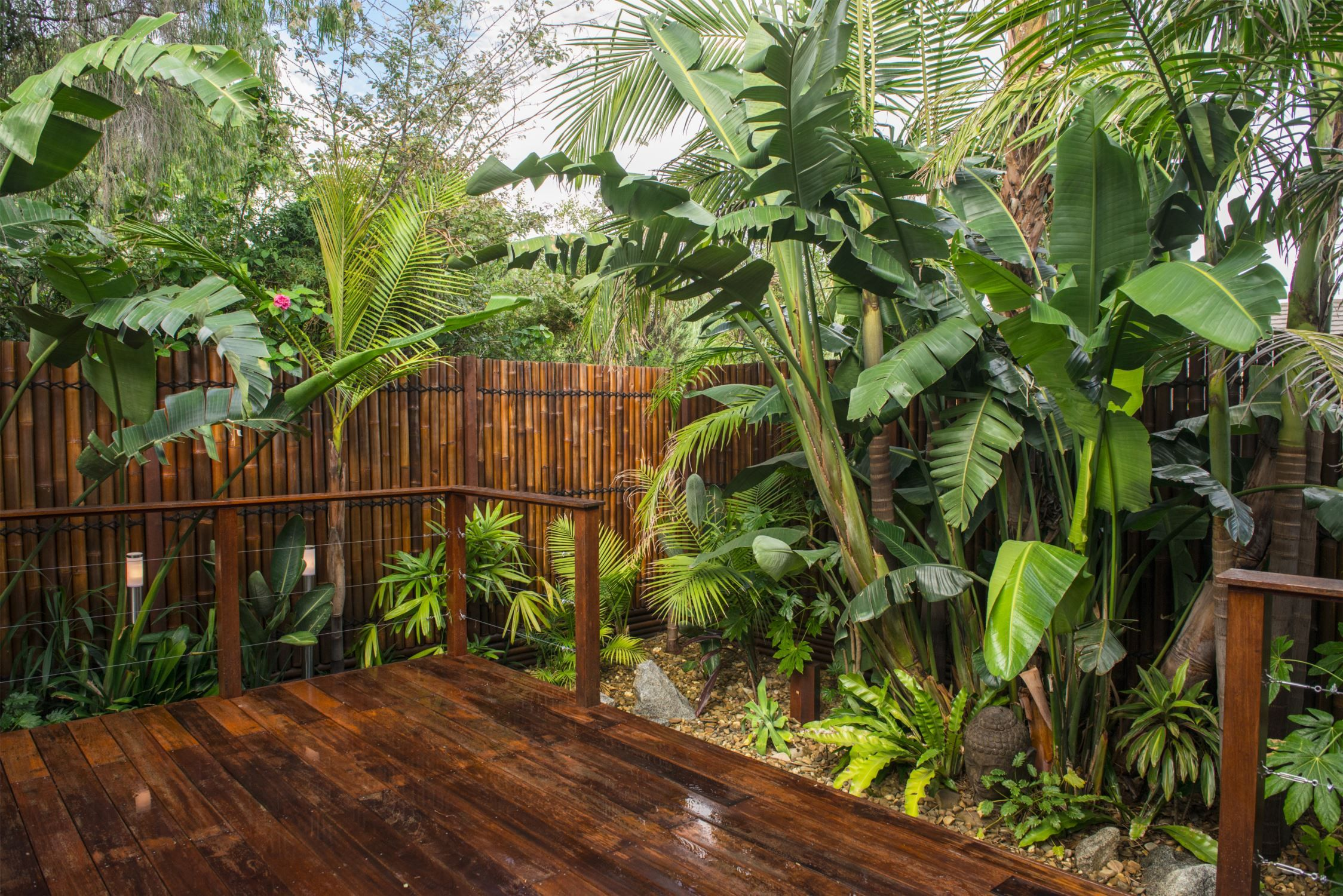 Balinese garden by Kihara Landscapes | FENCING | Pinterest ...