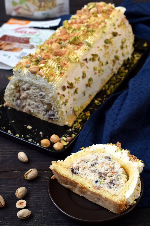 Ciasto Z Bogatym Wnetrzem Smaki Na Talerzu Food Baking Desserts