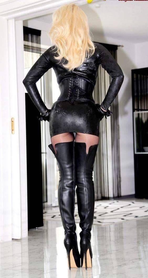 sexiga halloween kostymer latex underkläder