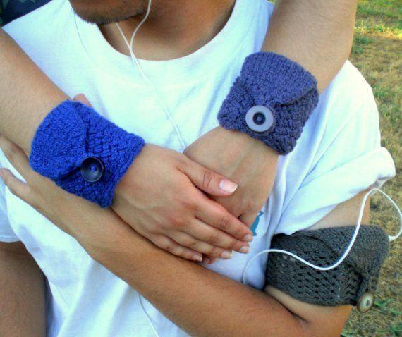 Knit Wrist Wallet / Cuff Pocket / Cozy / Case for iPod MP3