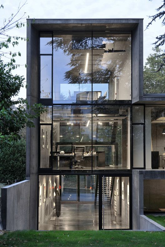 Gallery of AUM Pierre Minassian Offices / AUM Pierre ...