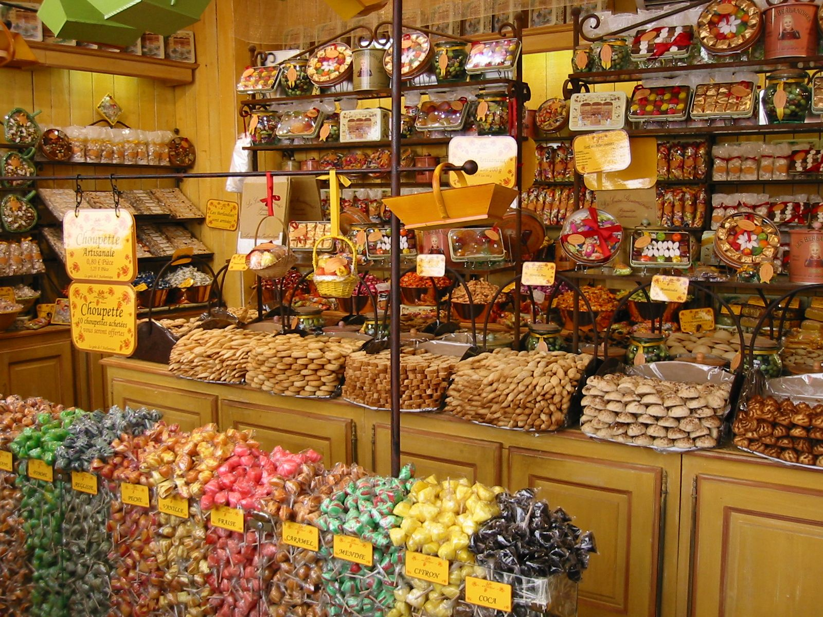 candy photography | Photo Gallery of Provence : Candy shop ...