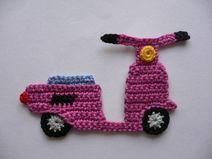 Motorroller - Häkelapplikation                                                                                                                                                                                 Mehr #crochetapplicates