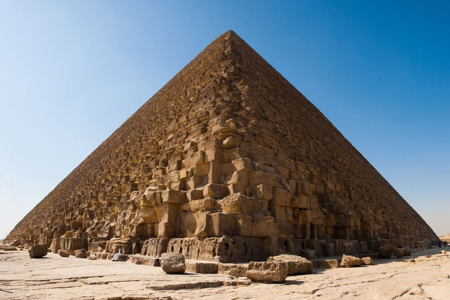 Since October 2015 The Mission Scanpyramids Probe The Walls Of Four Pyramids Including That Of Cheops In This Pictur Pyramide Pyramide De Kheops Toutankhamon