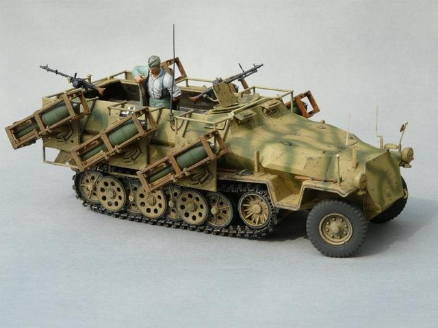 sd kfz 251 ausf c mit wurfrahmen 40 modell wehrmacht. Black Bedroom Furniture Sets. Home Design Ideas